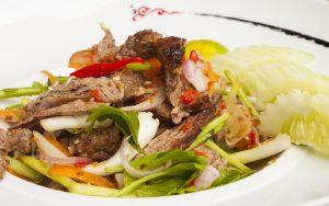 Salade de boeuf mariné thaie à la citronnelle